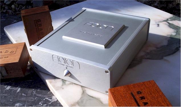 Der Präzisions-Phono-Vorverstärker für MM, MC und MI-Tonabnehmer. AARON