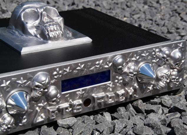 AARON LET'S ROCK! on stones ® High End Stereo integrated amplifier